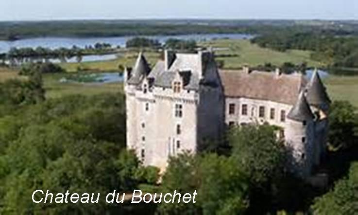 Chateau du bouchet with text